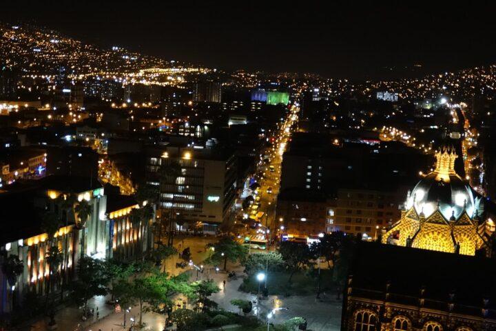 m05-city-night_ccgraficas_pixabay