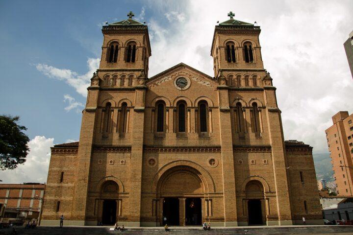 m29-iglesia-medellin_reiseblogger_pixabay