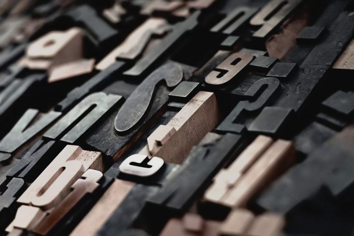 typography written translation traduccion profesional raphael schaller unsplash